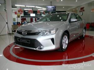 Khuyến Mãi Toyota Camry 2.5Q 2017 Màu Bạc, Mua Trả Góp Chỉ Cần 450Tr. Vay 8 năm. Giao trước Tết