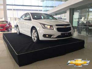 Bán xe Chevrolet Cruze phiên bản nâng cấp 2017 mới, đủ màu giao xe ngay, hỗ trợ trả góp 85% toàn quốc