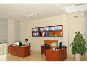 Bán nhà phố Ngã Tư Sở 60m2, 5 tầng, MT 7m, 15.8 tỷ cho thuê KD 25 triệu/tháng.
