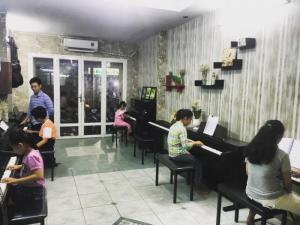 Lớp học Piano của Trung Tâm Âm Nhạc Li A
