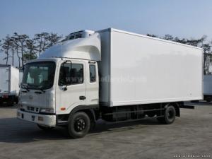 Bán xe tải Hyundai HD120 5 tấn thùng đông lạnh, mua xe Hyundai giá rẻ