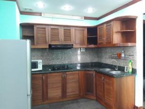 Cho thuê phòng đẹp ngay trung tâm Phú My Hưng Q7,30m2, đầy đủ nội thất. giá 4tr/th