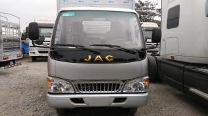 cabin màu bạc với logo JAC màu vàng có thay thế tất cả màu sơn hỗ trợ khách
