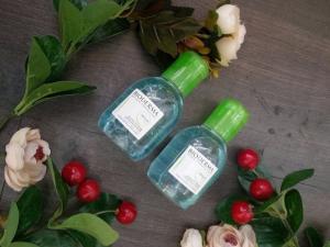 Tẩy trang Bioderma Créaline H20 (hồng) và Bioderma Sébium H2O (xanh )