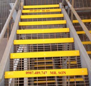 Tấm ốp gờ bậc thang, tấm ốp mép bậc thang, tấm ốp đi chống trượt