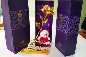 Hoa hồng mạ vàng 24k chữ love