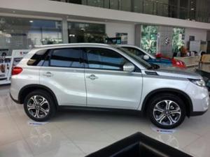 Xe Vitara màu bạc