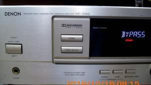 Amply Denon AVC 1030G mặt vàng. Made in Japan