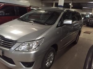 Toyota Innova 2k13 số sàn, màu bạc