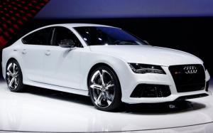 Thuê xe ô tô tự lái dịp Tết