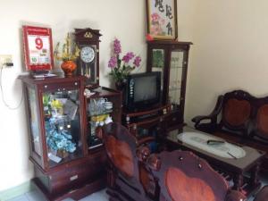 Cần tiền bán gấp nhà đất thổ cư đường Nguyễn Biểu cách biển 5 phút đi bộ