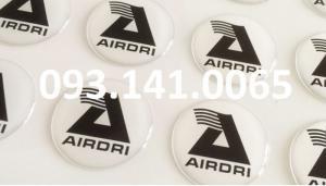 Dịch vụ gia công keo epoxy lên tem logo nổi