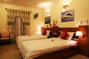 Bán khách sạn mặt tiền đường Hồ Nghinh, Quận Sơn Trà, TP Đà Nẵng, gần biển