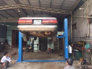 Cầu nâng 2 trụ sửa xe ô tô - Kiểu cổng lệch...