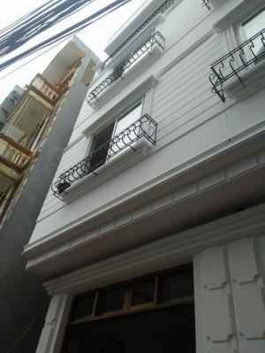 Bán Gấp Nhà KV Ái Mộ. Nhà 4 tầng, DT 40m2, MT 3,3m. ngõ 3m.