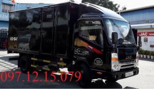 xe tải 2 tấn thùng kín màu đen có mui lướt gió xe công nghệ ISUZU giá hớp dẫn thùng dài 4.3 m