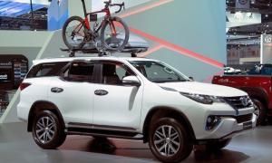 Toyota Fortuner 2017 2.4G máy dầu, nhâp nguyên chiếc