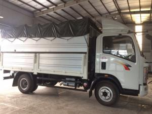 - Giới thiệu chi tiết xe tải thùng 6,1 tấn TMT Cửu Long - sinotruk: Xe tải thùng 6,1 tấn tmt - sinotruk là dòng xe tải thùng Cửu Long cỡ nhẹ của hãng TMT Cửu Long liên kết với tập đoàn Sinotruk sản xuất và lắp ráp, có tải trọng hàng hóa cho phép chở 6,1 tấn, với thiết kế xe nhỏ gọn, chiều dài lọt lòng thùng 4,2 mét thuận tiện trong việc luân chuyển hàng hóa lưu thông trong thành phố, các cung đường ngõ ngách khó vào nhất, đem lại hiệu quả kinh tế cao.