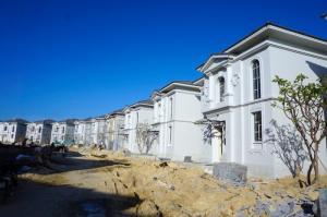 Bán biệt thự đủ đồ đang cho thuê 147 triệu/tháng. Nhận trước tiền thuê 3 năm