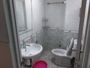 Có phòng ở ngay, vị trí tại lầu 1. Số nhà 24/3 Nguyễn Thái Bình P4 Tân Bình.