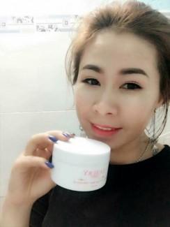 Mặt Nạ Hút Mụn Ẩn Luxury Girl