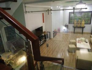Bán nhà đẹp phố Bạch Mai 50m2, 6 tầng, MT 8.5m, giá 4.65 tỷ.