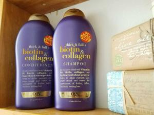Dầu gội xả  BIOTIN OGX giải pháp hiệu quả cho mái tóc hư tổn