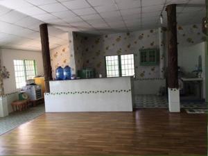Cần bán gấp nhà hàng Tiệc Cưới 8 tỷ,diện tích 20.000m2 MT quốc lộ 22B, xã Phước Trạch, H. Gò Dầu, tỉnh Tây Ninh.