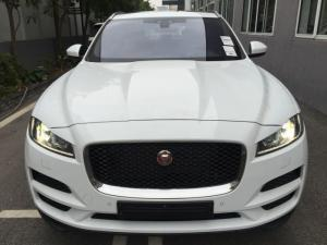 F-Pace 2017