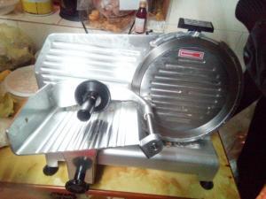 Bán máy thái thịt đông lạnh ,thịt chín ES 250