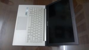 Laptop xách tay Asus Zenbook UX31 FHD 1080 siêu mỏng nhẹ tại Laptop Toàn Thành