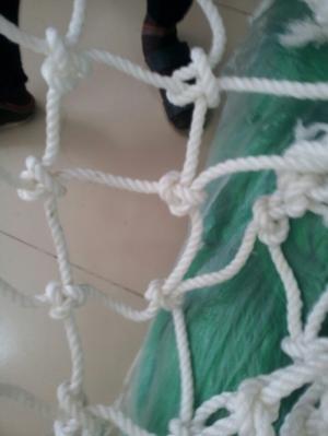 Lưới dù bóng trang trí trên không cho trẻ chơi