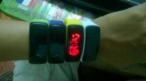 Đồng hồ LED kiêm luôn vòng tay - Qùa cho ngày Tết