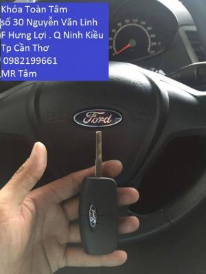 Làm chìa khóa ford fresta tại hậu giang