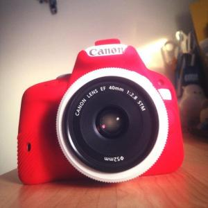 TP HCM Bán Canon trắng EOS 100D kèm lens EF 40mm