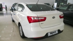 Bán ô tô Kia Rio số tự động, màu nâu, nhập khẩu nguyên chiếc, giá tốt
