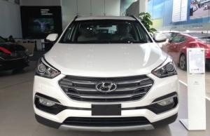 Tập đoàn Hyundai Toàn cầu với nhà máy trung tâm đặt tại nước Đức ( German ) nơi gọi là thu đô xe hơi cao cấp sang trọng của ô tô thế giới. Các kỹ sư và các designer đã tập trung phác thảo và nghiên cứu thị trường cũng như các hãng xe cao cấp để đưa ra một dòng xe 7 chõ đúng nghĩa SUV sang trọng và giá thành hợp lý, các nhà sản xuất của Hyundai đã đưa tất cả những công nghệ mới nhất để trang bị cho chiếc 7 chỗ Santa Fe này.