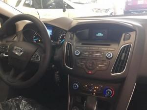 Ford Focus 1.5 ecoboost giá tốt nhất trong tháng