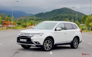 Mitsubishi OUTLANDER . nhập nguyên chiếc. khuyến mại tháng 2 lớn nhất trong năm . lh ngay để có giá tốt
