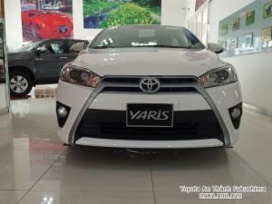 Khuyến Mãi Toyota Yaris 1.5G 2017 màu trắng...