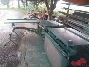 Máy cắt nhựa công nghiệp Đài Loan