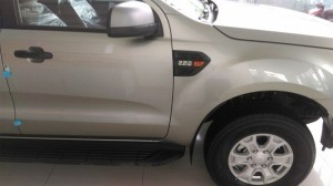 Ford Ranger XLS Giá Tốt Giao Ngay Đủ Màu
