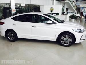 Hyundai Elantra mẫu mới: đẳng cấp, sang trọng, lịch lãm đầy sự thu hút.