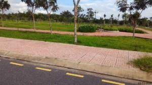 Bán đất nền liền kề phà cát lái,DT: 5x23.sổ hồng,hạ tầng hoàn thiện,giá chỉ 189tr.
