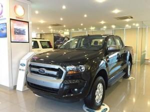 Cần bán xe Ford Ranger XLS AT 2017