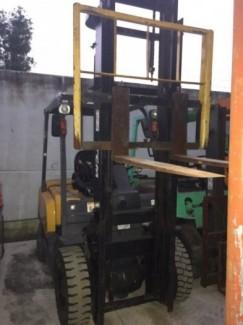 Xe nâng dầu cũ ngồi lái TCM 2 tấn