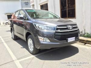 Khuyến Mãi Toyota Innova 2017 Số Sàn Màu Xám Mới. Mua Trả Góp chỉ cần 265tr.
