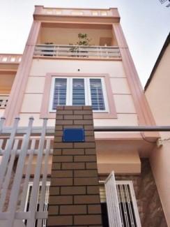 Nhà 3Tx63m2 xây mới chắc chắn,sân cổng riêng trong ngõ to đường Miếu Hai Xã. Hướng Đông. Giá 1,5 tỷ