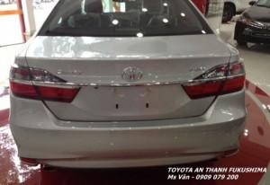 Toyota Camry 2017 giao xe ngay, Giảm lớn trong Tháng 6