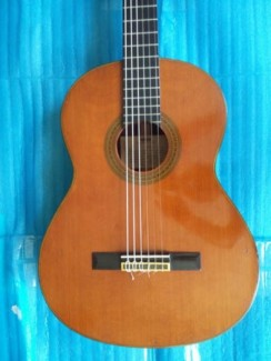 Yamaha clasical guitar  model C 300 Nhật